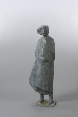 Frau im Mantel, groß ⋅ 1986 Image